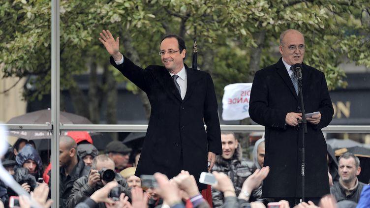 François Hollande s'est adressé à ses militants à Quimper (Finistère) pour son premier déplacement de campagne du second tour lundi 23 avril 2012 (JEAN-SEBASTIEN EVRARD / AFP)
