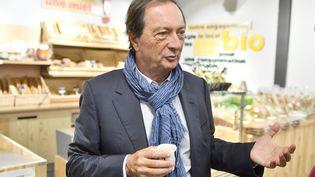 Michel-Edouard Leclerc dans le Centre Leclerc de Saintes (Charente) le 23 octobre 2018 (GEORGES GOBET / AFP)