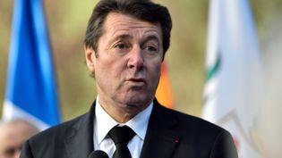 Le président de Provence-Alpes-Côte d'Azur, Christian Estrosi, s'exprime lors d'un hommage à l'otage français Hervé Gourdel, le 30 janvier 2016, à Nice (Alpes-Maritimes). (CITIZENSIDE / ERICK GARIN / AFP)