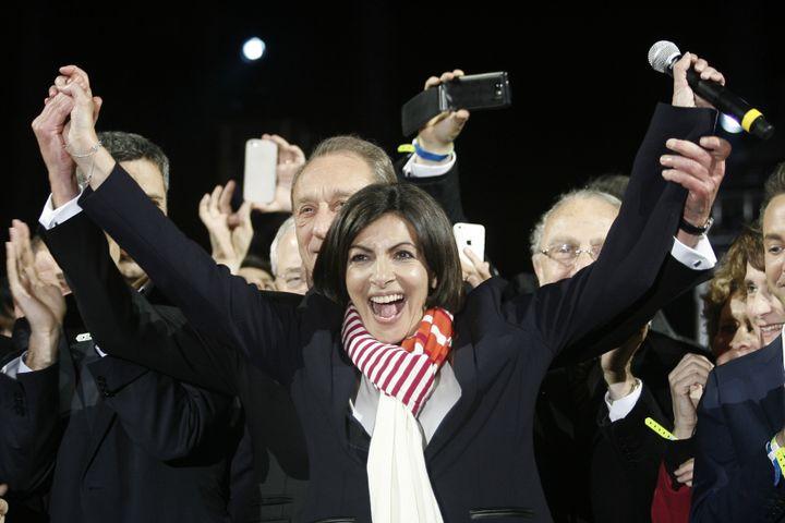 En 2014, le Parti socialiste avait sauvé les apparences en remportant Paris avec Anne Hidalgo et quelques grandes villes. (MATTHIEU ALEXANDRE / AFP)