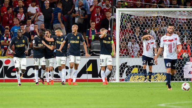 Traoré félicité par ses coéquipiers de l'AS Monaco (PHILIPPE HUGUEN / AFP)