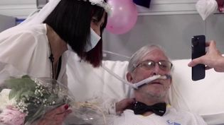 Espagne : deux patients atteints du Covid-19 se marient à l'hôpital (France 2)