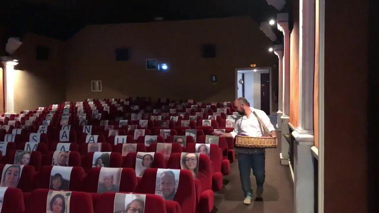 BastienLechevallier, le directeur du cinéma Le Rex, s'est mis en scène avec humour pour faire vivre sa salle. (Cinéma Le Rex)