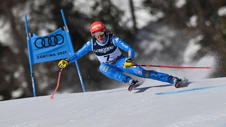 Federica Brignone a signé le meilleur temps du super-G du combiné aux Mondiaux de ski alpin. (FABRICE COFFRINI / AFP)
