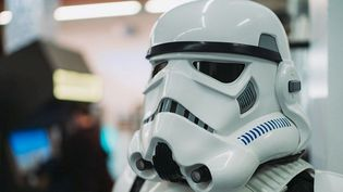 """Face à face avec un Stromtrooper : l'exposition """"Le retour du JEu VIdéo"""", Star Wars comme si vous y étiez.  (Bartosch Salmanski)"""