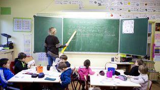 Une classe de primaire à Cerny (Essonne), en 2012. (AMELIE-BENOIST / BSIP)