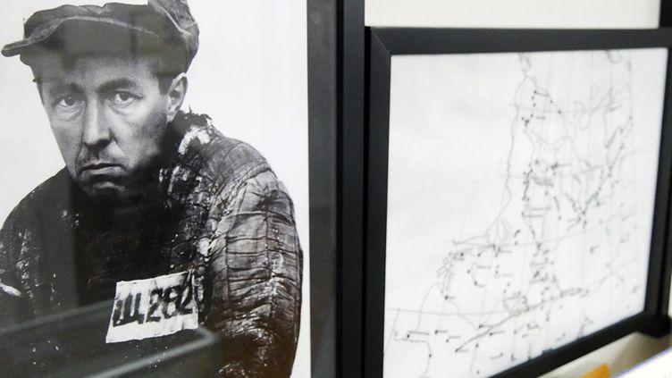 """""""'L'archipel du Goulag' d'Alexandre Soljenitsyne, un séisme littéraire"""", exposition à la librairie Les éditeurs réunis, Paris  (Laurence Houot / Culturebox)"""