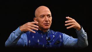 Le fondateur d'Amazon, Jeff Bezos, lors d'une conférence à New Delhi (Inde), le 15 janvier 2020. (SAJJAD  HUSSAIN / AFP)