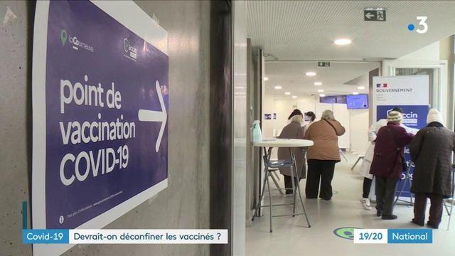 Covid-19 : faut-il de confiner les personnes déjà vaccinées ?