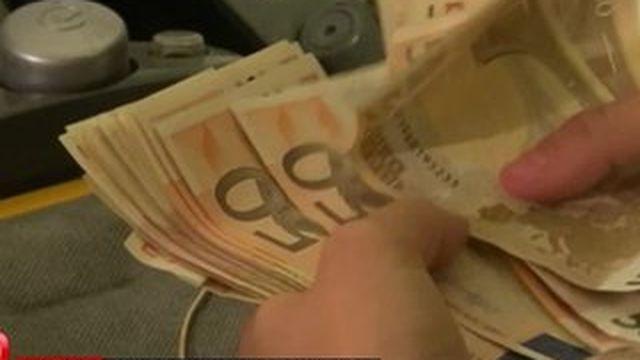 Inquiets, les Grecs cachent leur argent