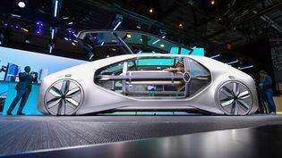 Le concept-car EZ-GO de Renault, présenté au Salon de Genève, le 6mars. (FABRICE COFFRINI / AFP)