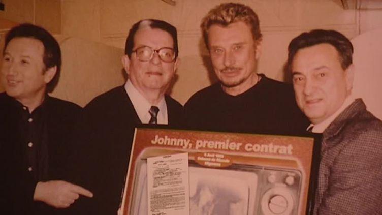 Johnny Hallyday se souvient de son premier contrat  (France 3 / Culturebox / capture d'écran)