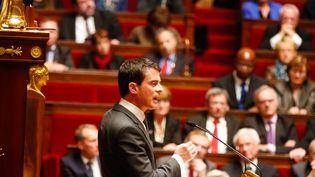 Le Premier ministre Manuel Valls le 13 janvier 2015 à l'Assemblée nationale. (CITIZENSIDE / JALLAL SEDDIKI / AFP)