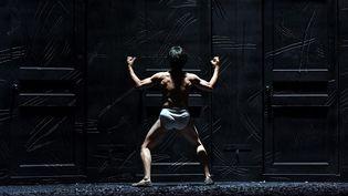 """""""Roberto Zucco"""" une création franco-suisse-coréenne par Lorenzo Malaguerra et Jean Lambert-wild au théâtre national de Corée  ( Tristan Jeanne-Valès )"""
