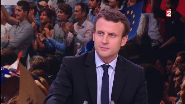 """Emmanuel Macron candidat à la présidentielle : """"une décision irrévocable"""""""