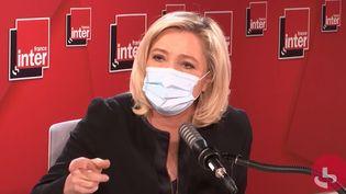 Marine Le Pen, présidente du Rassemblement national, sur France Inter le 23 mars 2021. (FRANCEINTER / RADIOFRANCE)
