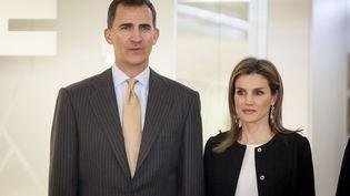 Le prince Felipe et la princesse Letizia à l'inauguration du nouveau bureau de l'agence de presse Efe à Madrid (Espagne), le 13 février 2014. (SAMUEL DE ROMAN / SIPA)
