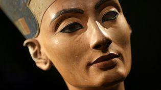 Le buste de la reine Néfertiti découvert il y a une centaine d'années.  (Michael Sohn / Pool / AFP )