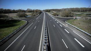 L'autoroute A5 désertée, le 23 mars 2020 à l'Isle-Aumont (Aube). (STEPHANE DE SAKUTIN / AFP)