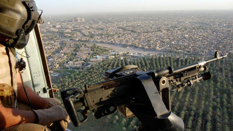 (Les forces irakiennes ont affirmé dimanche avoir touché dans un raid aérien le convoi du chef du groupe Etat islamique (EI). Photo d'illustration © REUTERS)