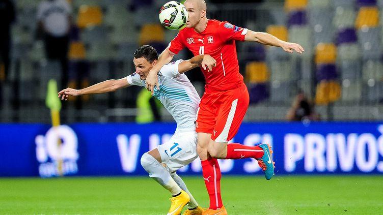 lLe défenseur suisse Philippe Senderos (JURE MAKOVEC / AFP)