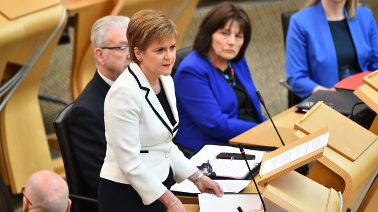 Nicola Sturgeon au Parlement écossais, le 24 avril 2019.  (ANDY BUCHANAN / AFP)
