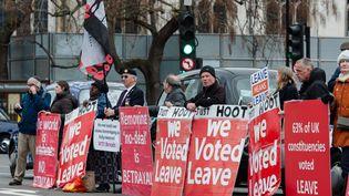 Des militants pro Brexit à Londres, le 20 mars 2019. (WIKTOR SZYMANOWICZ / NURPHOTO / AFP)