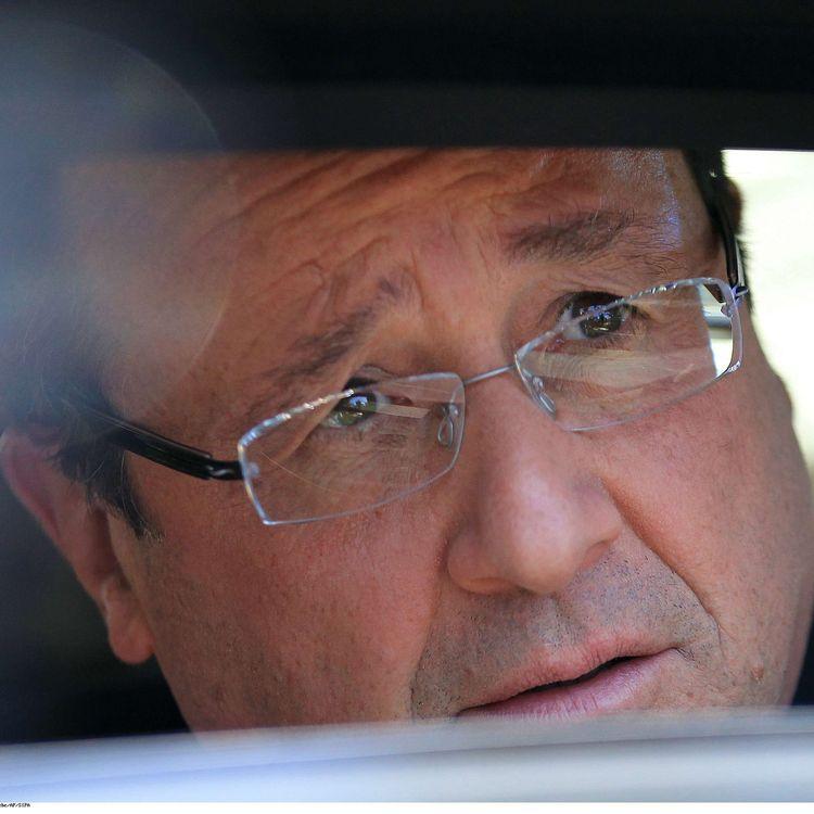 Le président de la République, François Hollande, le 15 octobre 2013 à Soweto, en Afrique du Sud. (THEMBA HADEBE / AP / SIPA)
