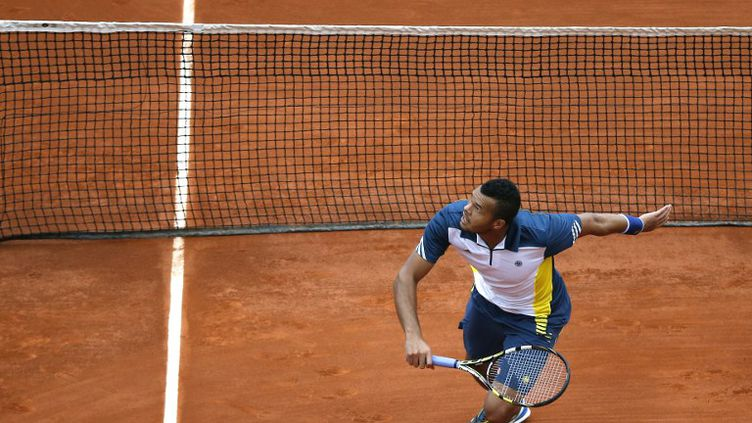 Jo-Wilfried Tsonga, le 2 juin 2013 à Roland-Garros. (THOMAS COEX / AFP)
