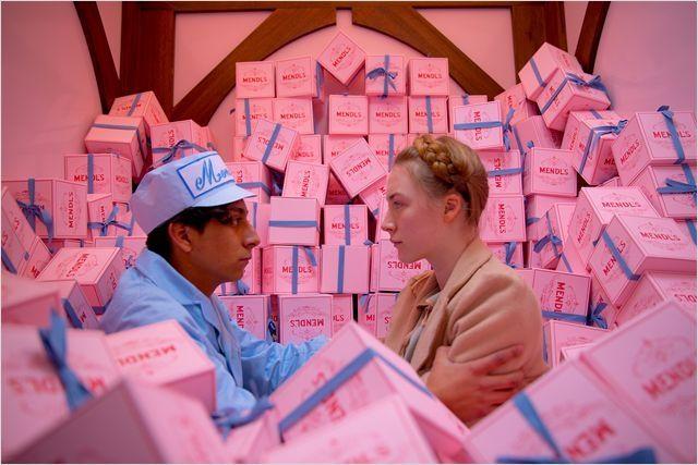 "Tony Revolori etSaoirse Ronan dans ""The Grand Budapest Hotel"" de Wes Anderson  (Twentieth Century Fox France )"