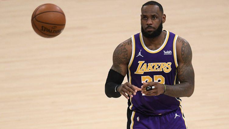LeBron James et les Lakers affrontent les Phoenix Suns lors du premier tour des playoffs NBA 2021. (HARRY HOW / GETTY IMAGES NORTH AMERICA)