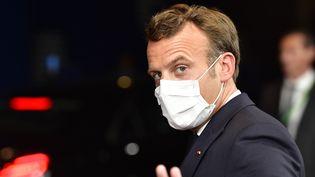 Le président de la République, Emmanuel Macron, le 18 juillet 2020 à Bruxelles (Belgique). (JOHN THYS / AFP)