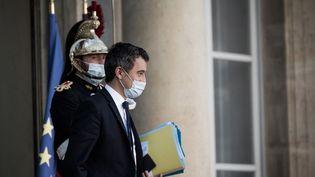 Le ministre de l'Intérieur, Gérald Darmanin, à la sortie du Conseil des ministres au palais de l'Elysée, à Paris, le 18 novembre 2020. (ARTHUR NICHOLAS ORCHARD / HANS LUCAS VIA FP)