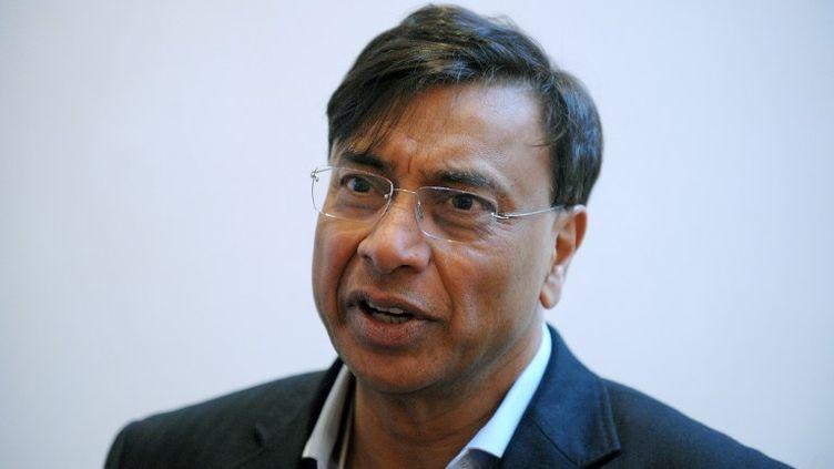 Lakshmi Mittal, le PDG du groupe ArcelorMittal, le 25 janvier 2013 au forum économique de Davos, en Suisse. (ERIC PIERMONT / AFP)