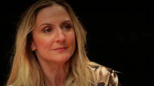 """Les équipes de France 2 ont pu rencontrer la comédienne Camille Chamoux (""""Premières vacances"""", """"Larguées"""", """"Les Gazelles""""), qui est remontée sur les planches en septembre pour son dernier spectacle, """"Le temps de vivre"""". (France 2)"""
