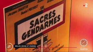 Melun : une exposition décalée met à l'honneur les gendarmes (FRANCE 2)