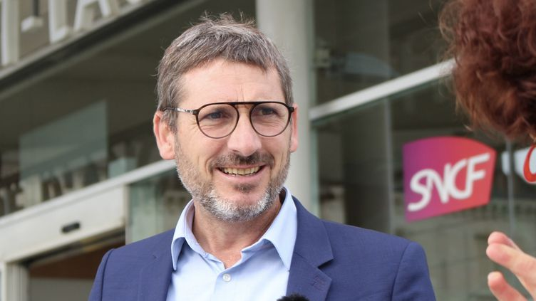 Matthieu Orphelin, candidat aux élections régionales dans les Pays de la Loire, le 22 juin 2021. (ROBIN PRUDENT / FRANCEINFO)