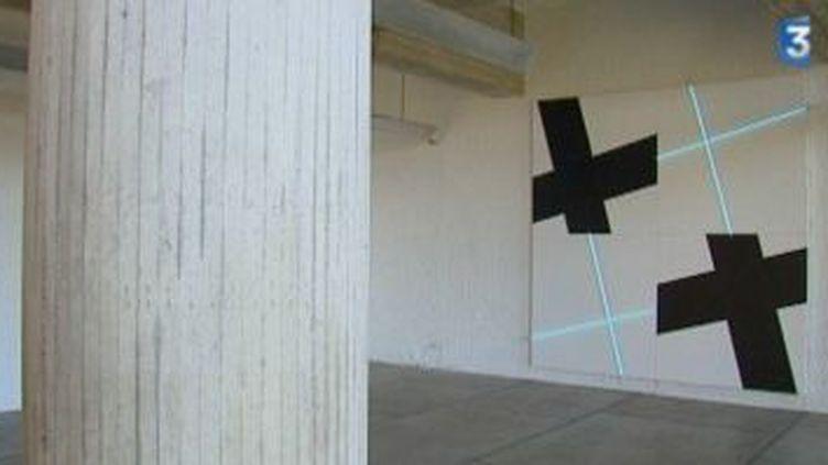"""Le minimalisme de François Morellet au Couvent """"Le Corbusier"""" de la Tourette.  (Culturebox)"""