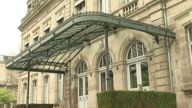 A l'instar de cet ancien hôtel de commandemant de l'armée, de nombreux biens immobiliers sont cédés par l'Etat dans le Limousin. (FRANCE 3 LIMOUSIN)