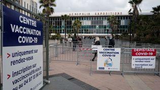 Le parc des expositions de Nice, là où se déroule une opération de vaccination, le 6 mars 2021. (VALERY HACHE / AFP)
