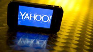 Logo Yahoo ! sur un écran. (KAREN BLEIER / AFP)