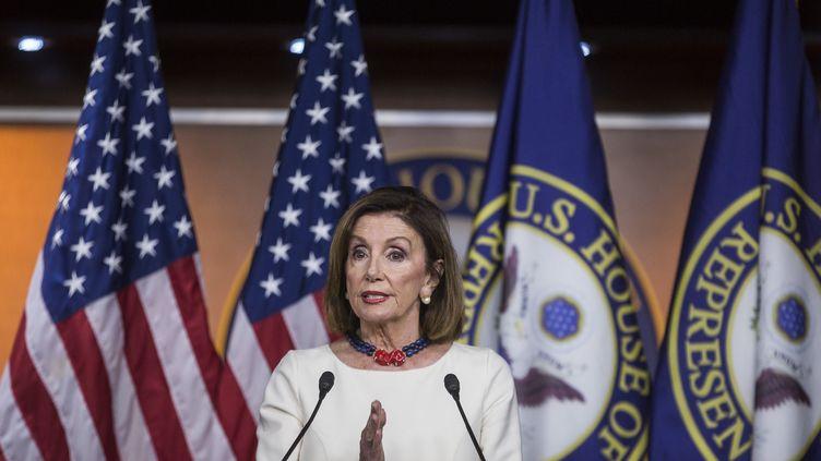 La speaker de la Chambre des représentants, Nancy Pelosi, lors d'une conférence de presse au Capitole (Washington, Etats-Unis), le 26 septembre 2019. (ZACH GIBSON / GETTY IMAGES NORTH AMERICA / AFP)