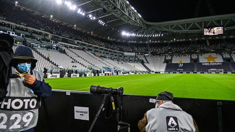 Les joueurs de la Juventus s'étaient rendus au stade pour disputer la rencontre mais ceux de Naples ne sont jamais venus (VINCENZO PINTO / AFP)