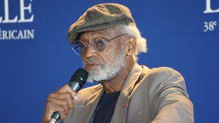 Le cinéaste américain Melvin Van Peebles en conférence de presse à Deauville  (Ch.Meunier/Culturebox)