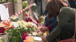 Féminicide à Mérignac : les habitants rendent hommage à la mère de famille brûlée vive (France 3)