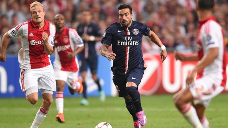 En septembre dernier, pour leur première rencontre officielle, les deux équipes s'étaient quittées sur le score d'1-1. (EMMANUEL DUNAND / AFP)
