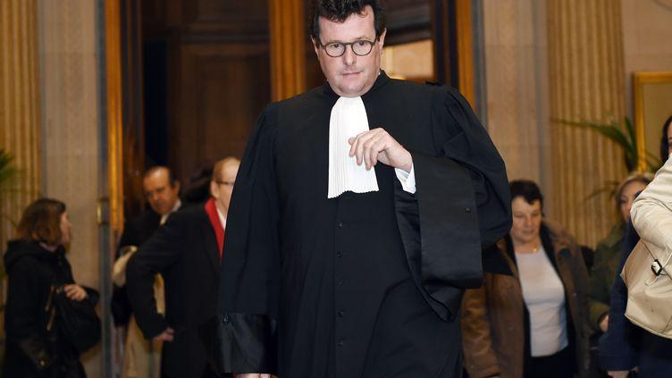 """Jean Reinhart, avocat de l'association de victimes du 13-Novembre """"Fraternité et Vérité"""", le 2 avril 2015. (LOIC VENANCE / AFP)"""