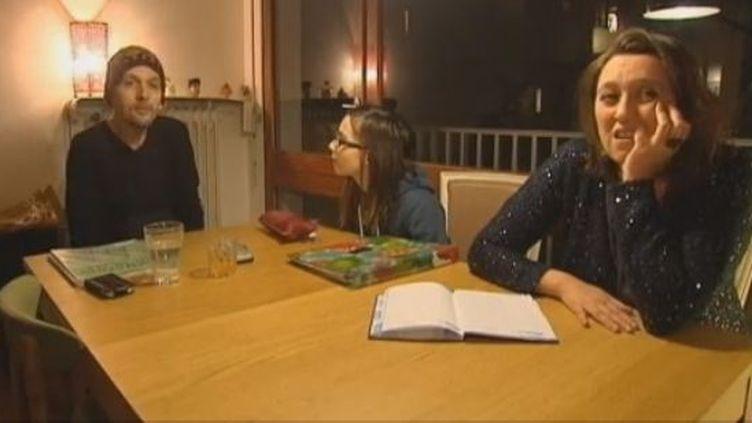 Emilia, 11 ans, se dit satisfaite de vivre en alternance chez son père et chez sa mère. (FRANCETV INFO / FRANCE 3 )