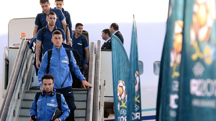 Les joueurs de l'équipe de France arriventà Donetsk (Ukraine), le 6 juin 2012, pour l'Eurode football. (FRANCK FIFE / AFP)