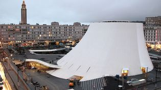 Maison de la Culture du Havre (Le Volcan, dessiné par Niemeyer)  (CHARLY TRIBALLEAU / AFP)